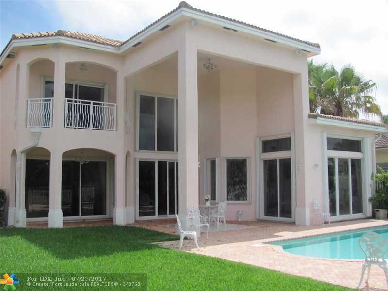 1590 Presidential Way, Miami, FL 33179