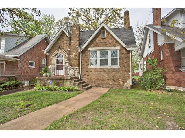 2157 McCausland Avenue, St Louis, MO 63143