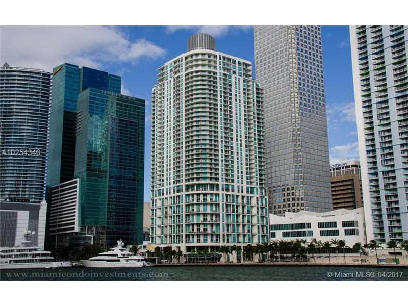 300 S Biscayne Blvd L-834, Miami, FL 33131