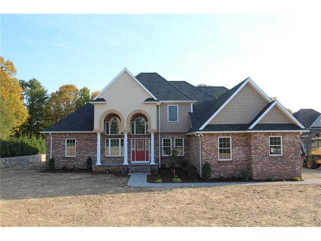 13 Squire Court, Trumbull, CT 06611