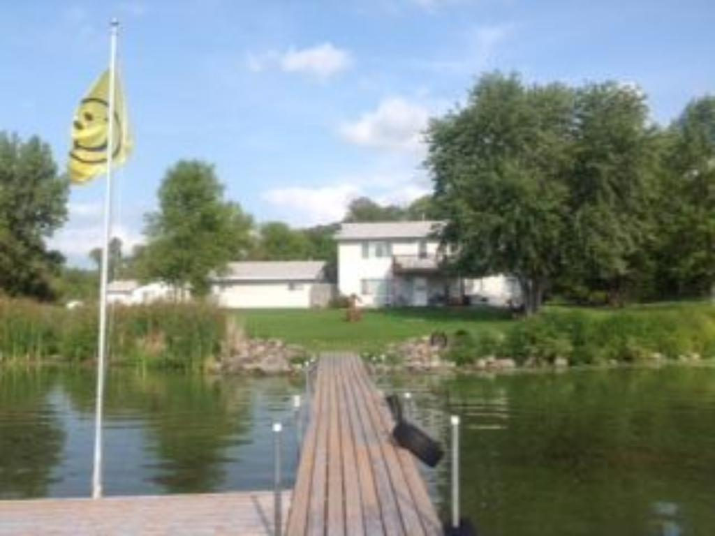 21929 Finch Road, Leslie Twp, MN 56360