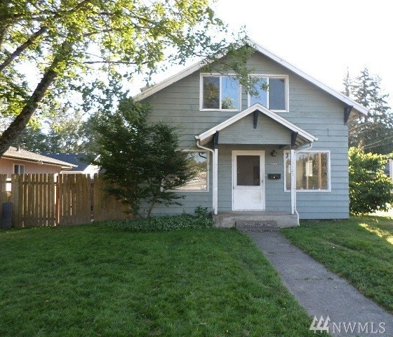 1127 N 1st Ave, Kelso, WA 98626