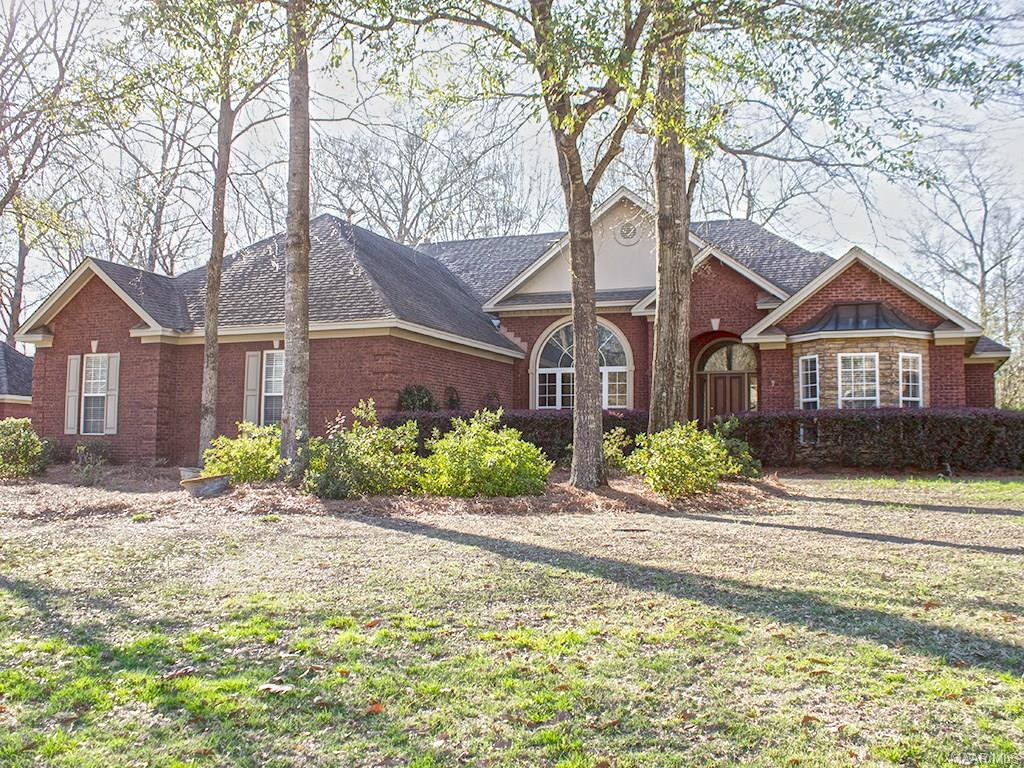 16 MOUNTAIN LAUREL Road, Wetumpka, AL 36093