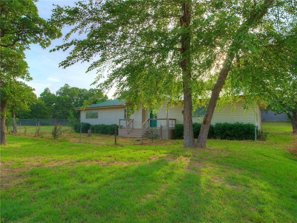 2 Rodeo Drive, Bethel Acres, OK 74851