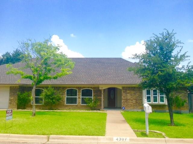 4307 Three Oaks Drive, Arlington, TX 76016