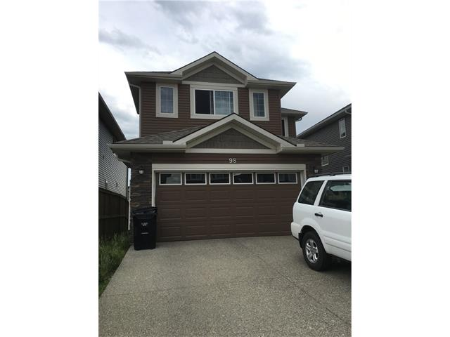 98 EVERHOLLOW Green SW, Calgary, AB T2Y 0K2