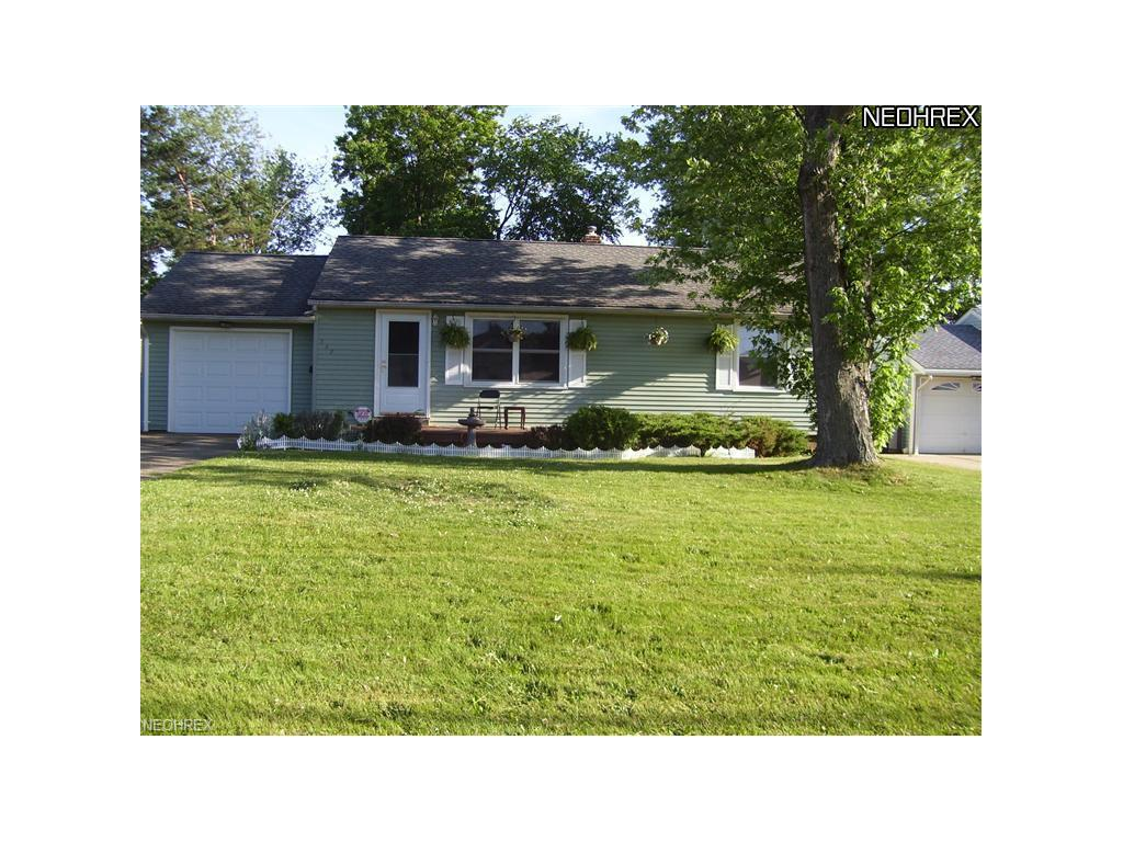 547 Powers Ave, Girard, OH 44420