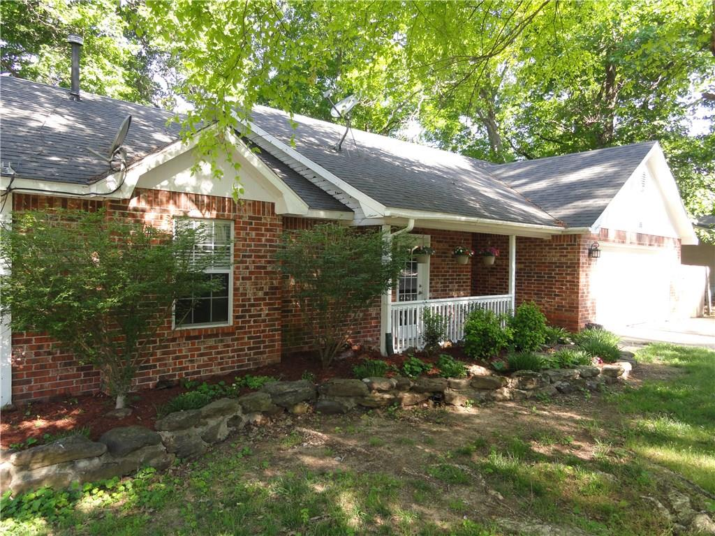 35 S Sycamore AVE, West Fork, AR 72774