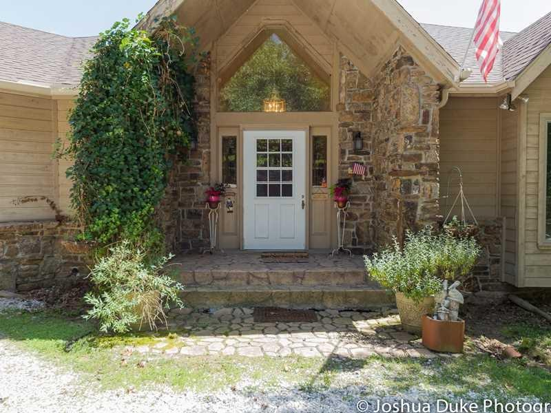 20403 Slate Gap RD, Garfield, AR 72732