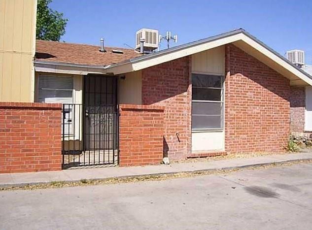 637 White Cliffs Drive B, El Paso, TX 79912