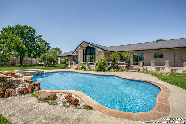 32120 Wild Oak Hl, Fair Oaks Ranch, TX 78015