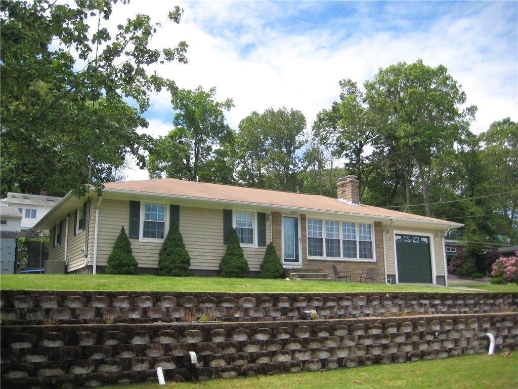 70 Grandview DR, Cumberland, RI 02864