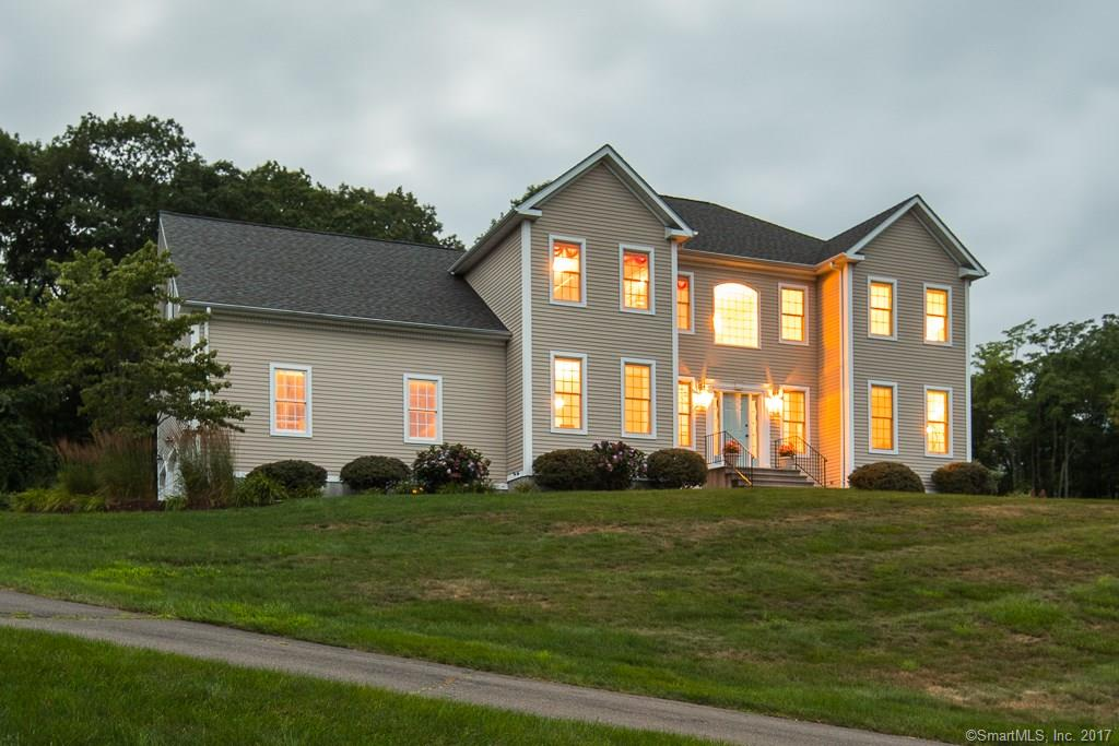 47 Ridgewood Terrace, North Haven, CT 06473