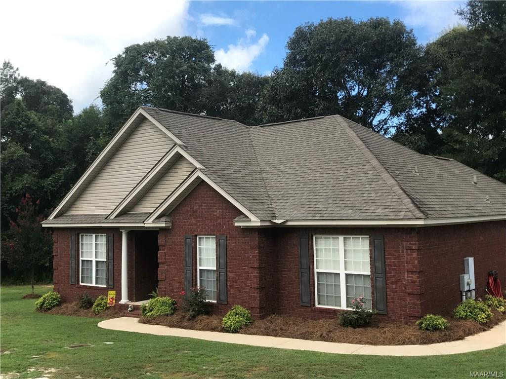 1508 White Cloud Drive, Deatsville, AL 36022