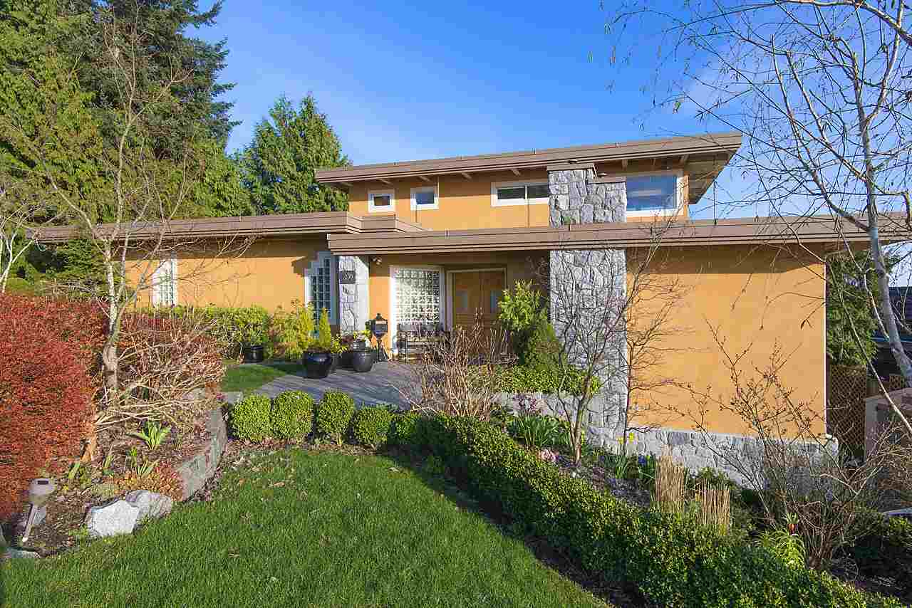 850 SENTINEL DRIVE, West Vancouver, BC V7T 1T2