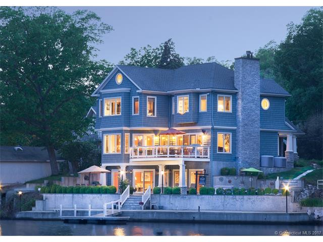 111 Lakemere Dr, Southbury, CT 06488