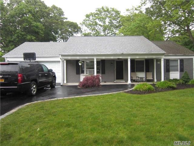 11 Haverford Ln, Coram, NY 11727