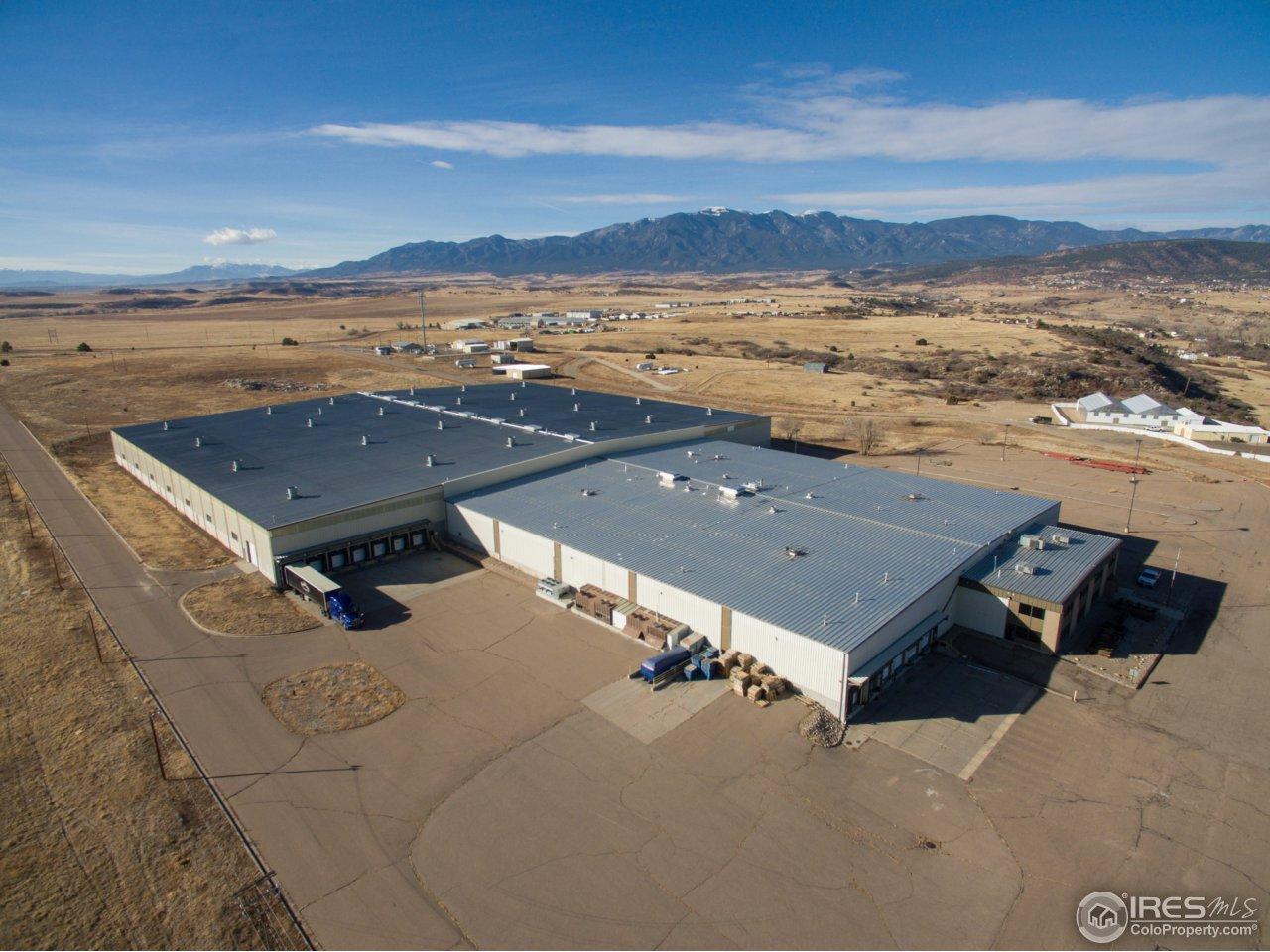4038 Dover Rd, Pueblo, CO 81004