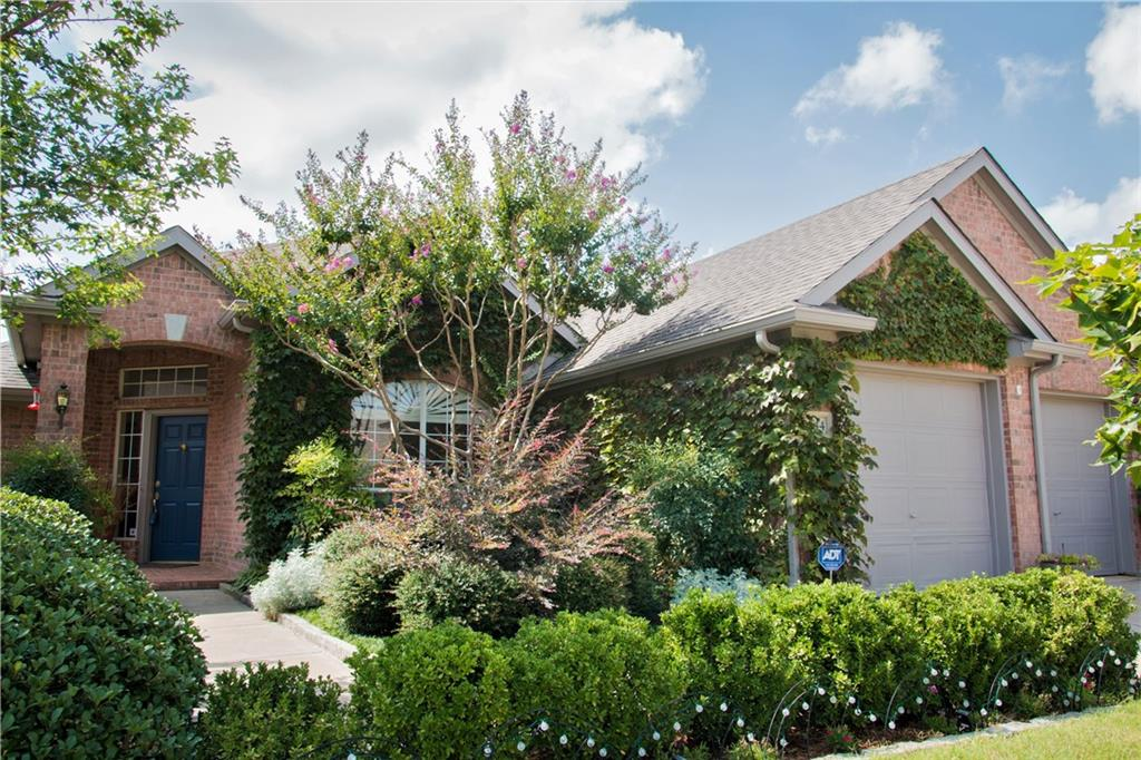 1644 Knoll Ridge Circle, Corinth, TX 76210