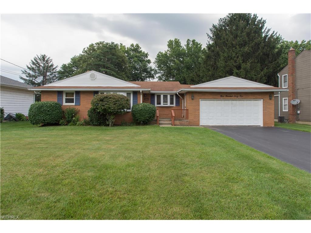 944 Larkridge Ave, Youngstown, OH 44512