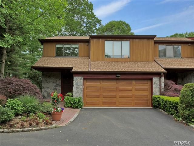 114 The Crescent, Roslyn Heights, NY 11577