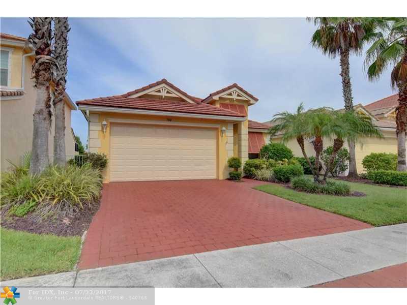 700 Belle Grove Ln, Royal Palm Beach, FL 33411