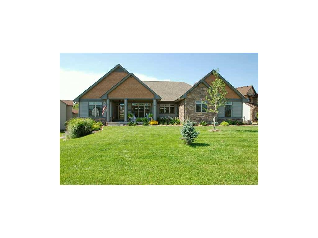 16412 Creekside Circle NW, Clive, IA 50325