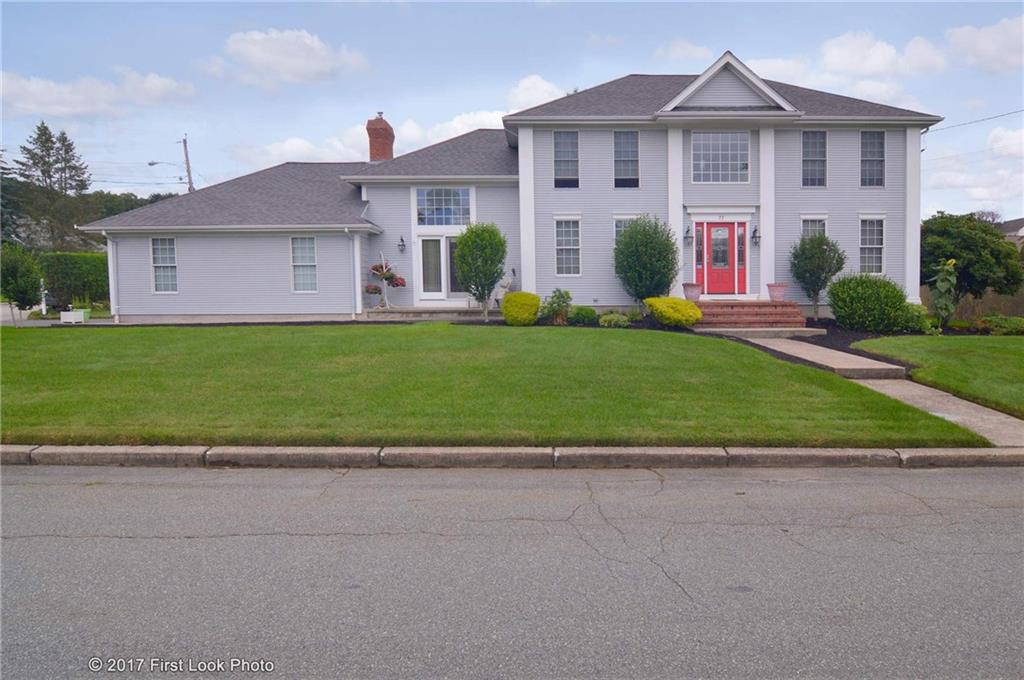 77 West River PKWY, North Providence, RI 02904