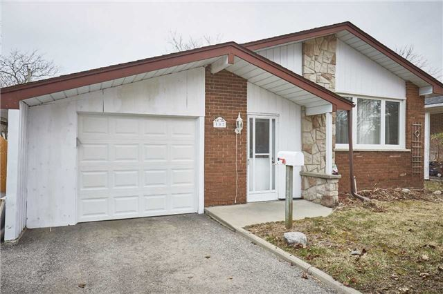 107 E Clements Rd, Ajax, ON L1S 1L3