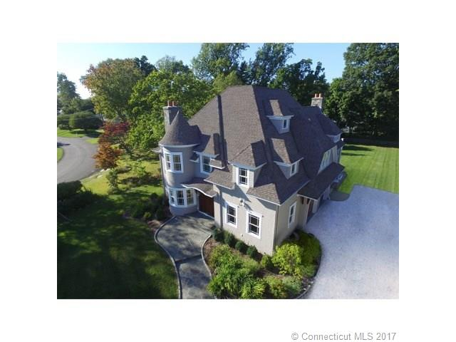 15 Orchard Dr, New Canaan, CT 06840