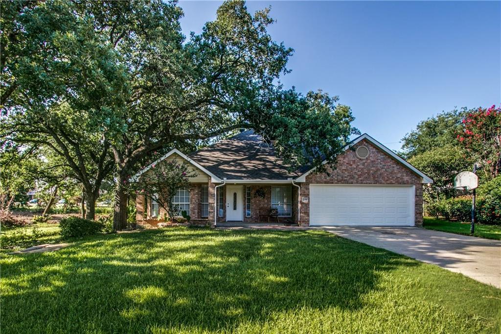 106 Hillcrest Street, Lake Dallas, TX 75065