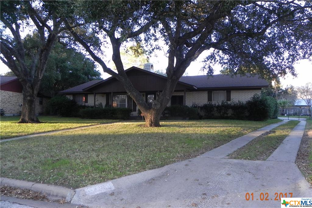 1705 Neuman, Gonzales, TX 78629
