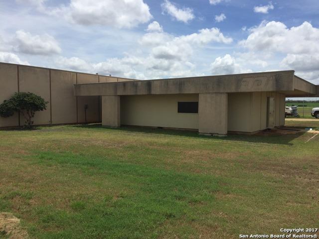 1663 W FM 117, Dilley, TX 78017