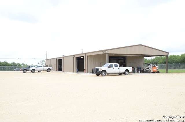 3093 County Road 1005, Pearsall, TX 78061