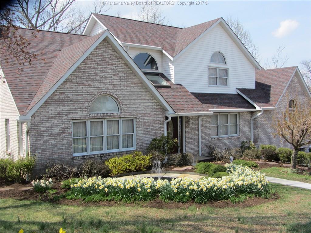 422 Woodbridge Drive, Charleston, WV 25311