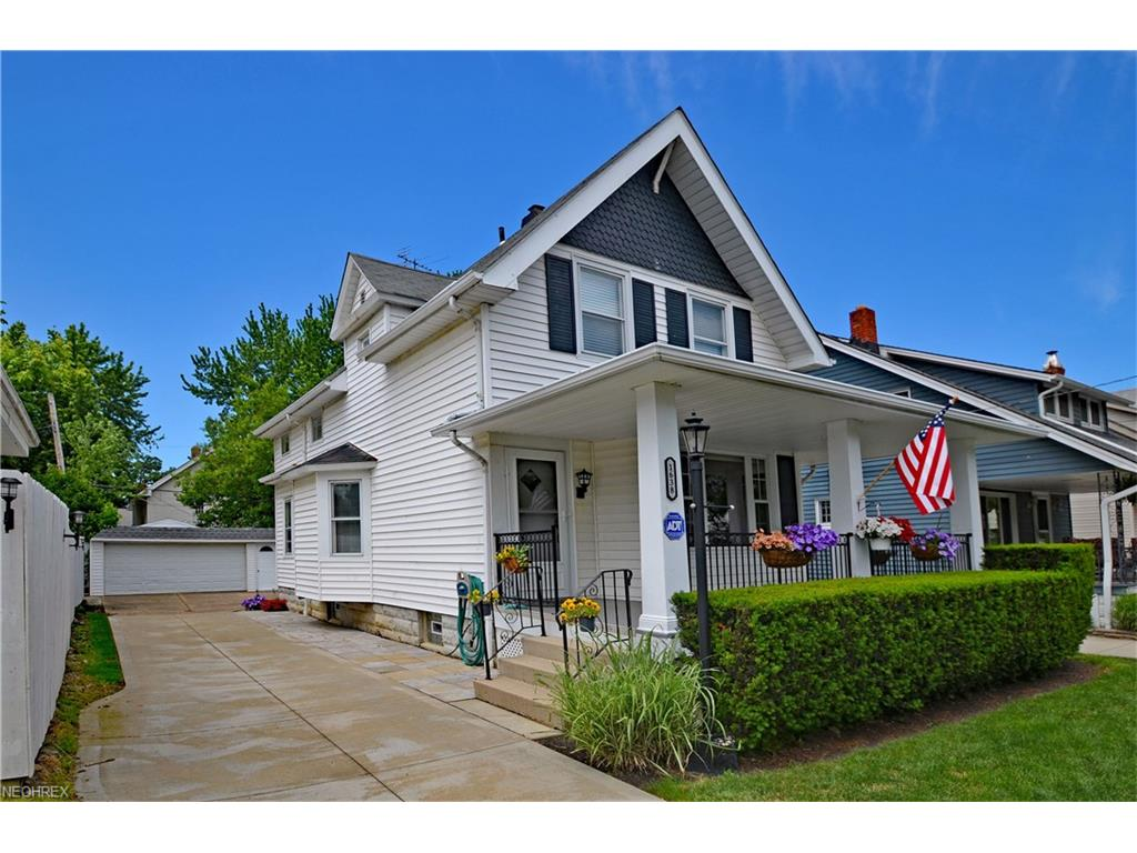 1638 Rosewood Ave, Lakewood, OH 44107