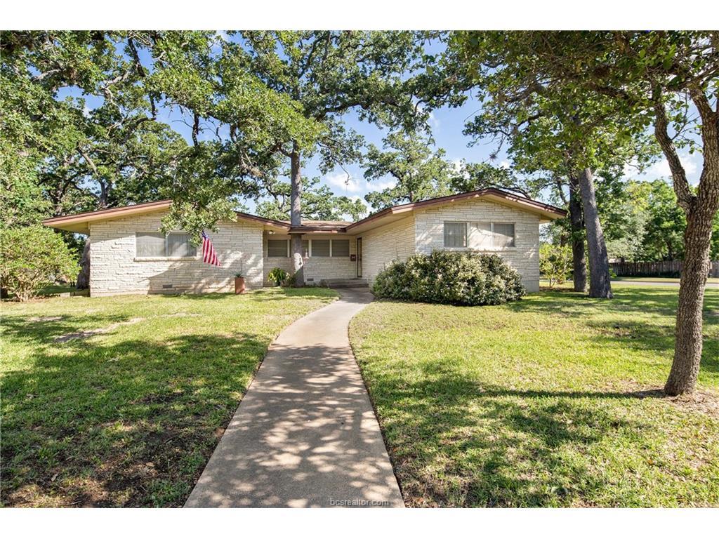 708 Esther Boulevard, Bryan, TX 77802
