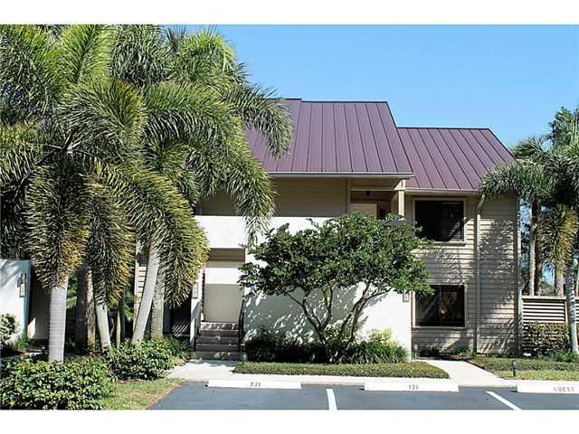 6403 SE Brandywine CT 221, Stuart, FL 34997