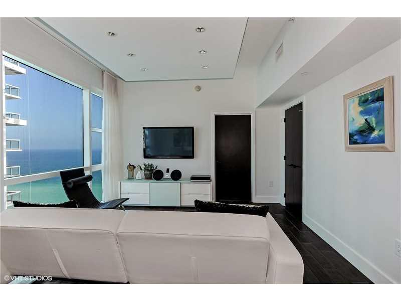 6801 Collins Ave PH 07, Miami Beach, FL 33141