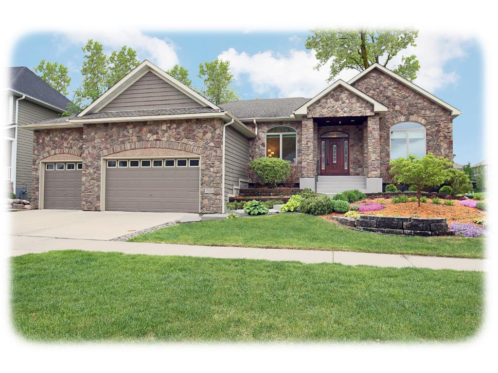 17015 68th Place N, Maple Grove, MN 55311
