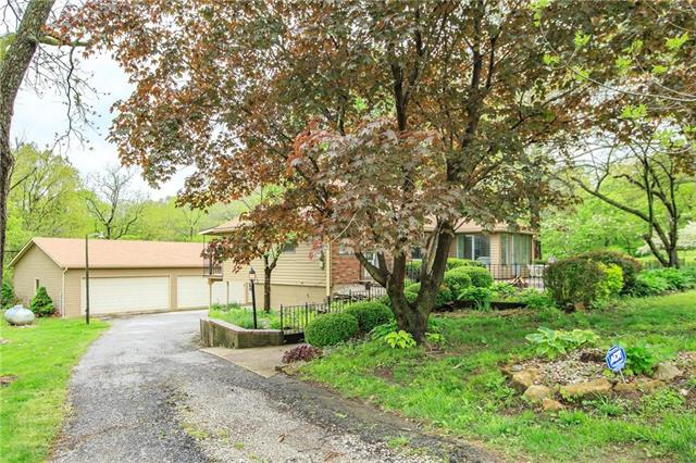 23601 E OLD TWYMAN Road, Independence, MO 64058
