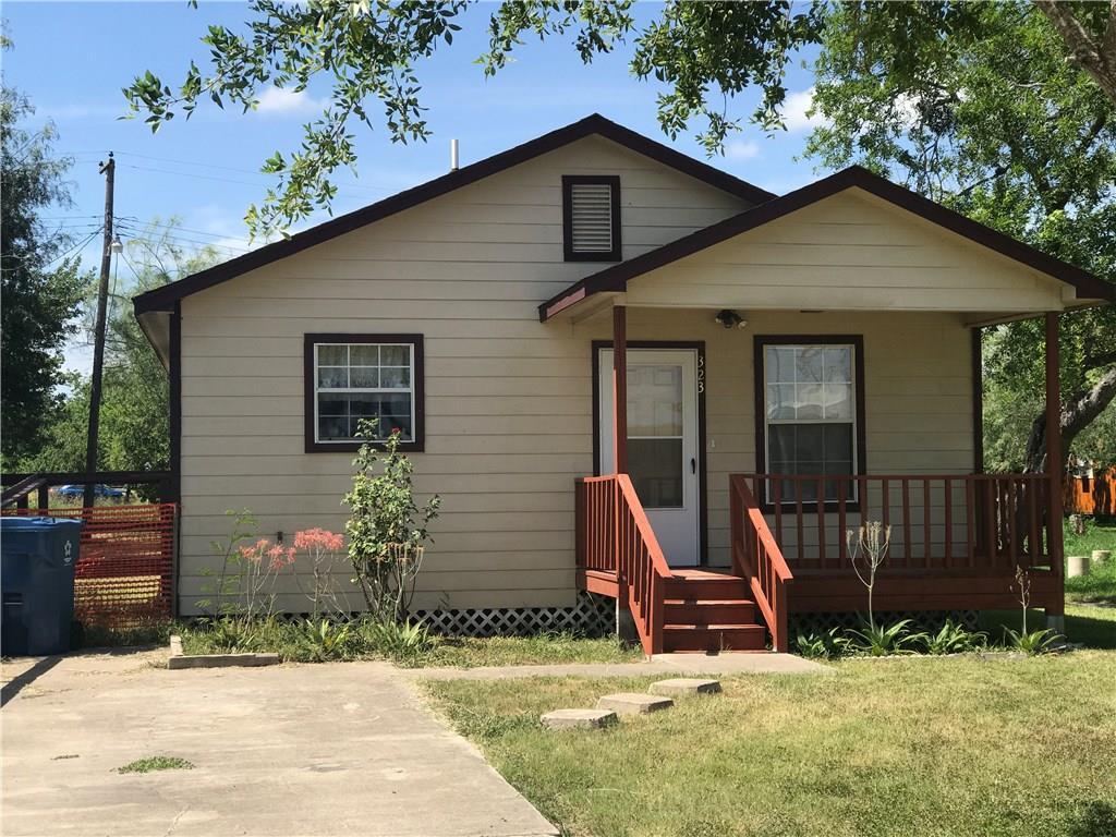 323 Alston St, Sinton, TX 78387