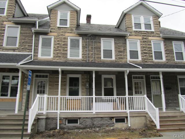 1689 Newport Avenue, Northampton Borough, PA 18067