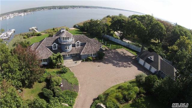 391 Great River Rd, Great River, NY 11739