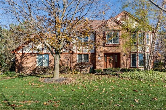 49240 Woodway DR, Plymouth Twp, MI 48170