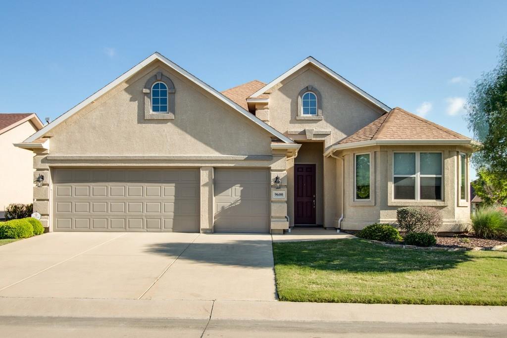 9600 Ravenwood Drive, Denton, TX 76207