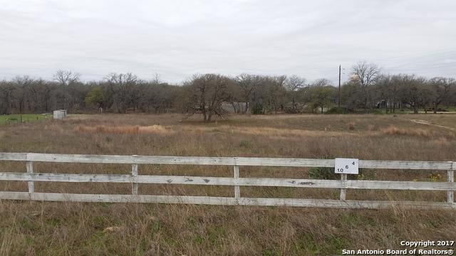 124 Lake View Circle, La Vernia, TX 78121