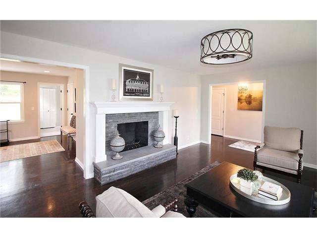 2000 W 92ND Street, Leawood, KS 66206
