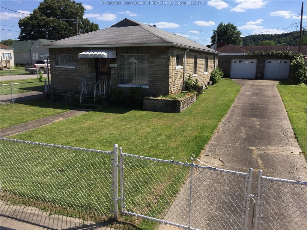 2203 Dunbar Avenue, Dunbar, WV 25064