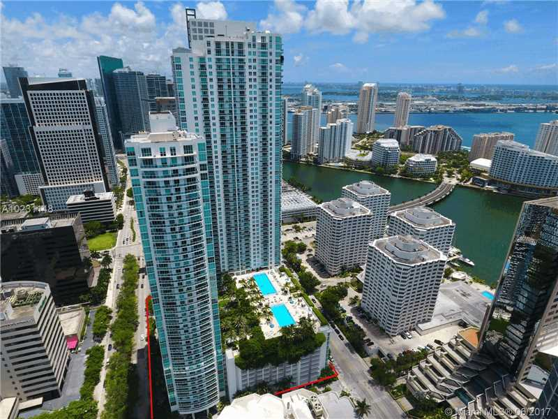 950 Brickell Bay Dr 2211, Miami, FL 33131